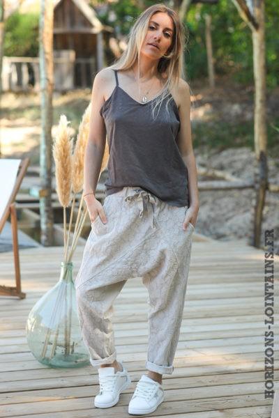 Pantalon-beige-coupe-baggy-dentelle-pantalons-femme-ample-confortable-style-bohème-hippie-D024