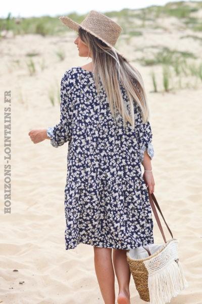 Robe-fluide-bleu-marine-petites-fleurs-avec-touches-dorés-robes-esprit-bohème-hippie-D025