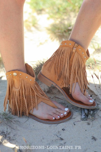 Sandales montantes caramel avec franges