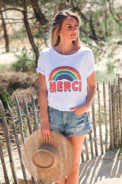 Tshirt-blanc-merci-arc-en-ciel-rouge-d107