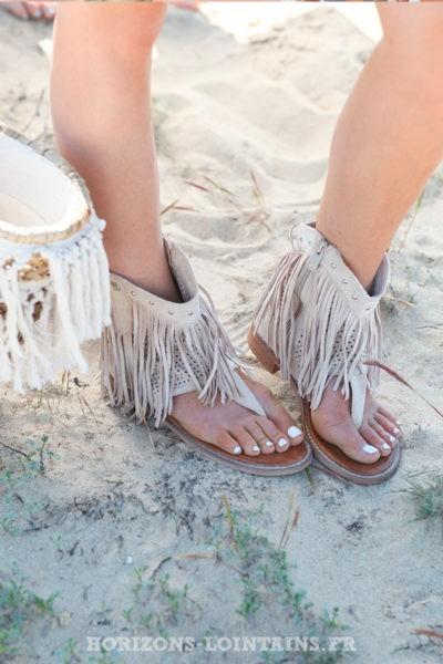 Sandales montantes beige avec franges