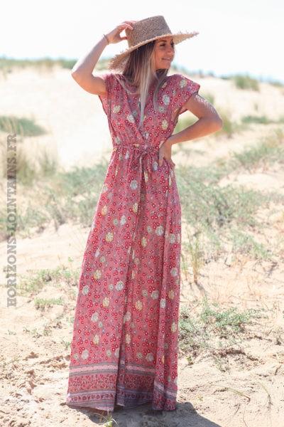 Robe-longue-bois-de-rose-porte-feuille-avec-imprimé-fleuri-d52
