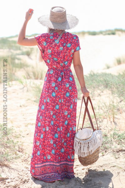 Robe-longue-fuchsia-porte-feuille-avec-imprimé-fleuri-d52
