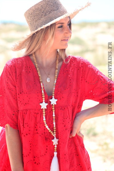 Robe-rouge-manches-courtes-col-V-pompon-broderie-anglaise-fleurs-D45
