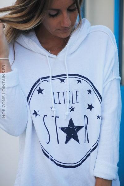 Pull blanc confort à capuche coutures extérieures Little Star d131 2