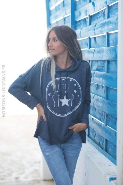Pull bleu jean foncé confort à capuche coutures extérieures Little Star d131 2