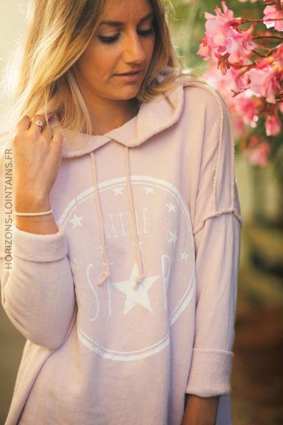 Pull rose poudré confort à capuche coutures extérieures Little Star d131 2 sweat