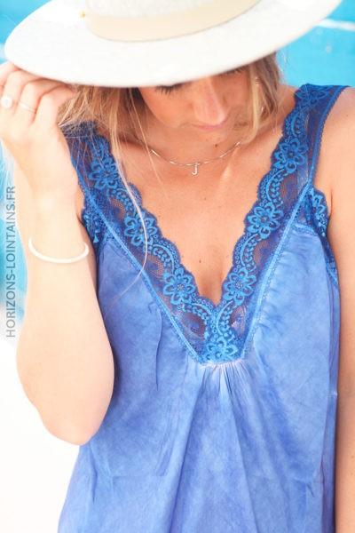Caraco bleu électrique col V en dentelle c076 1