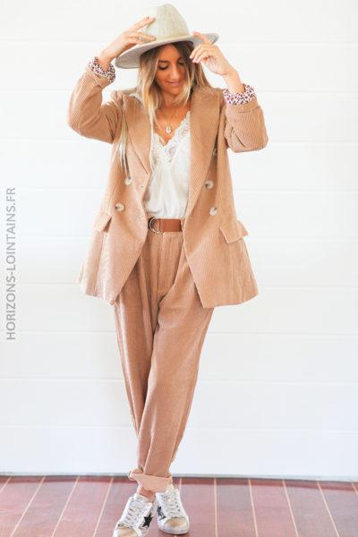 Pantalon large beige en velours cotelé D69 (1)