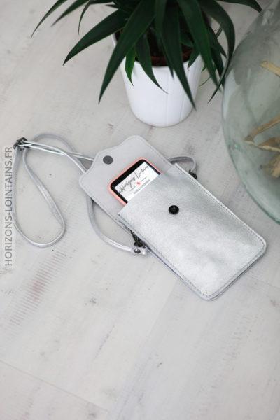 Pochette silver en cuir pratique pour l'essentiel d013