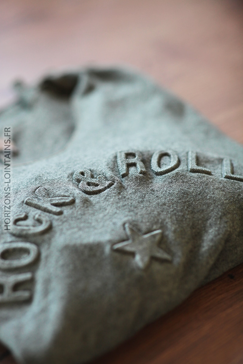 Pull kaki col v rock and roll relief D182 (1)