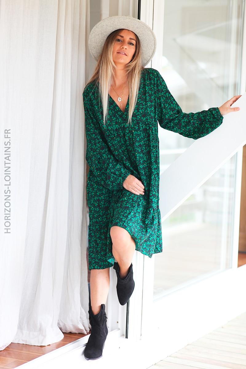 Robe noire manches longue fleurs vert D110 (1)