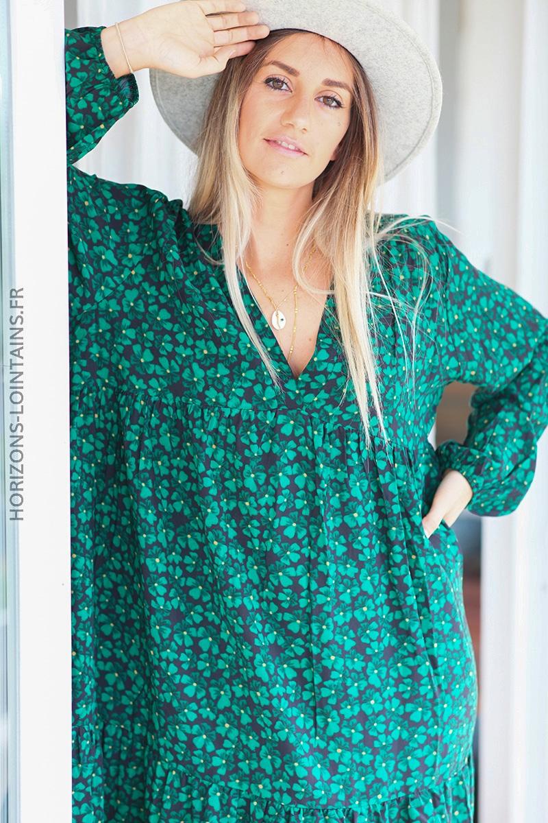 Robe noire manches longue fleurs vert D110 (3)