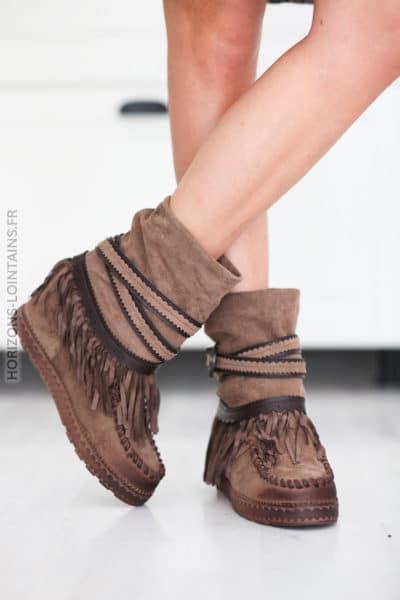 Boots taupe compensées suedine franges et ceinture D27 (1)