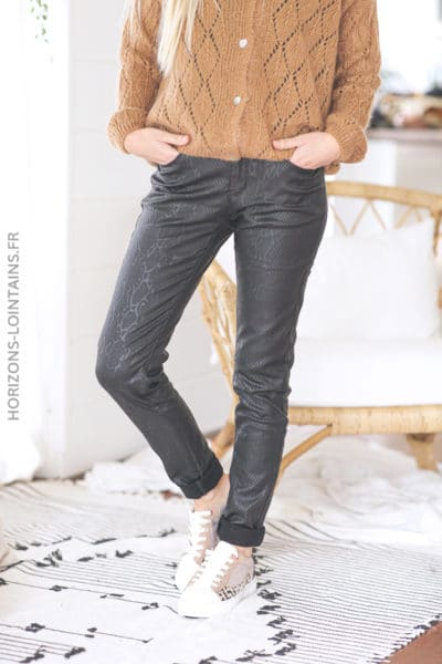 Pantalon noir simili imitation python D80 (1)