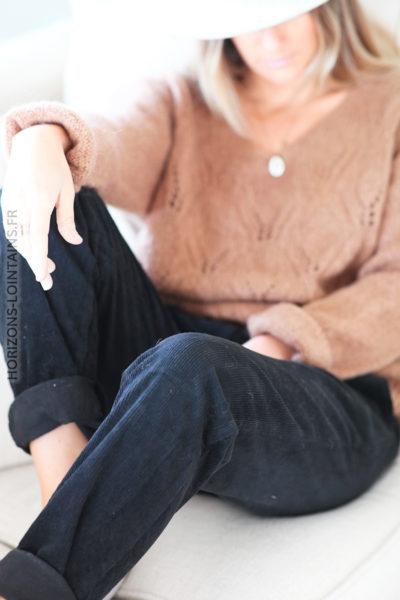 Pantalon noir velours coté et ceinture simili D65 (1)