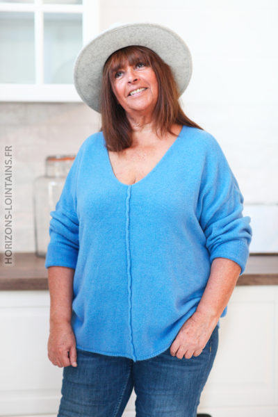 Pull bleu manches chauve-souris coutures en relief D181 (1)