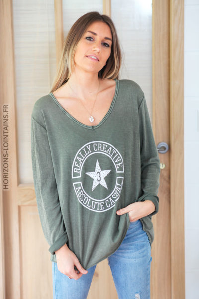 Tshirt kaki manches longues logo message et étoile strass D223 (1)