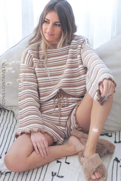 Ensemble homewear pull et short en maille rayures camel D253 (2)