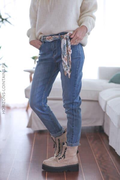 Jean bleu avec ceinture tissus motif floral E017 (1)