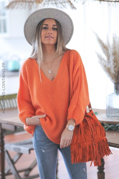 Pull orange large col V grosses mailles D299 (1)