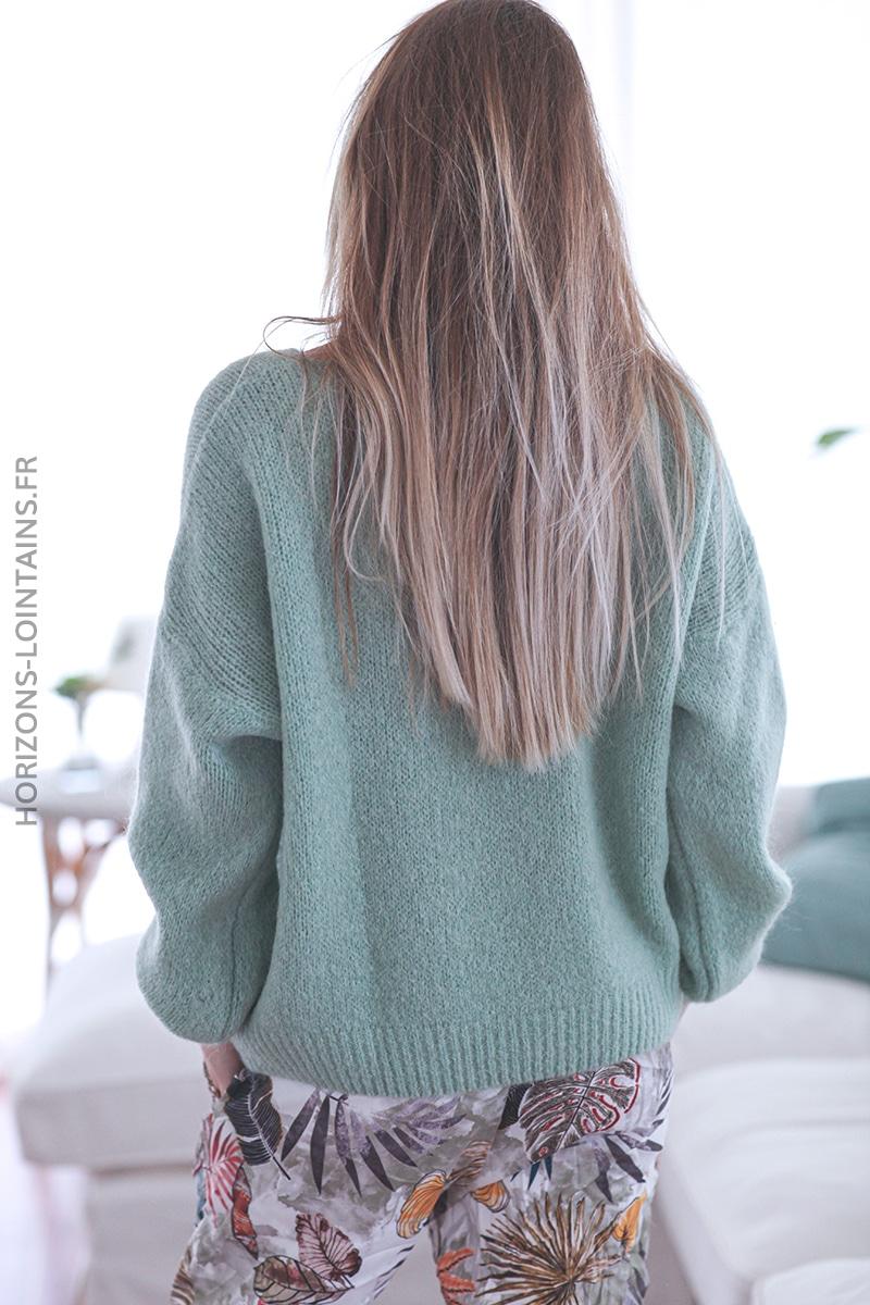 Pull vert amande maille manches ressérrées E030 (1)