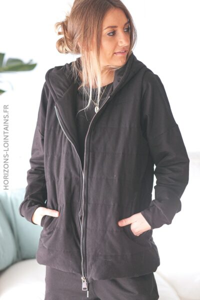 Sweat noir avec veste à capuche sans manche E002 (1)