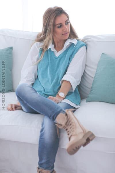 Chemise blanche avec pull sans manche bleu indien E014 (1)