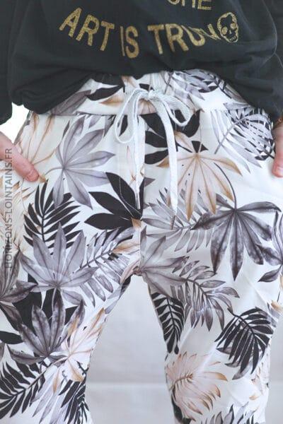 Pantalon confort motif feuilles palmes gris E019 (1)