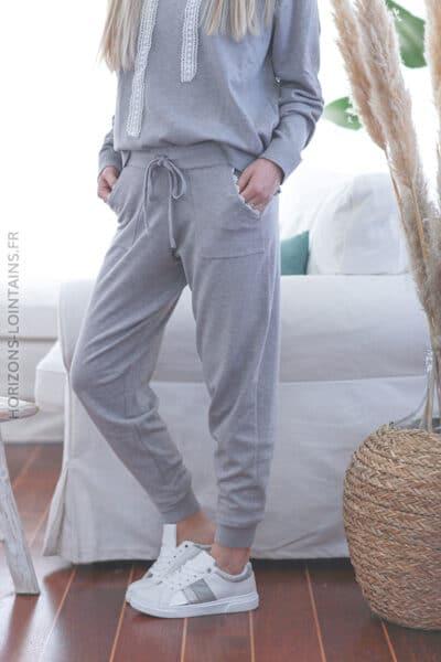 Pantalon gris clair en maille fine confort E028 (1)