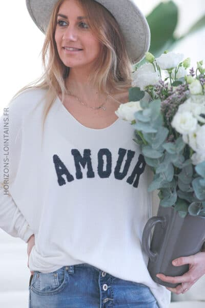 Pull écru jersey amour relief bouclettes E068 (1)