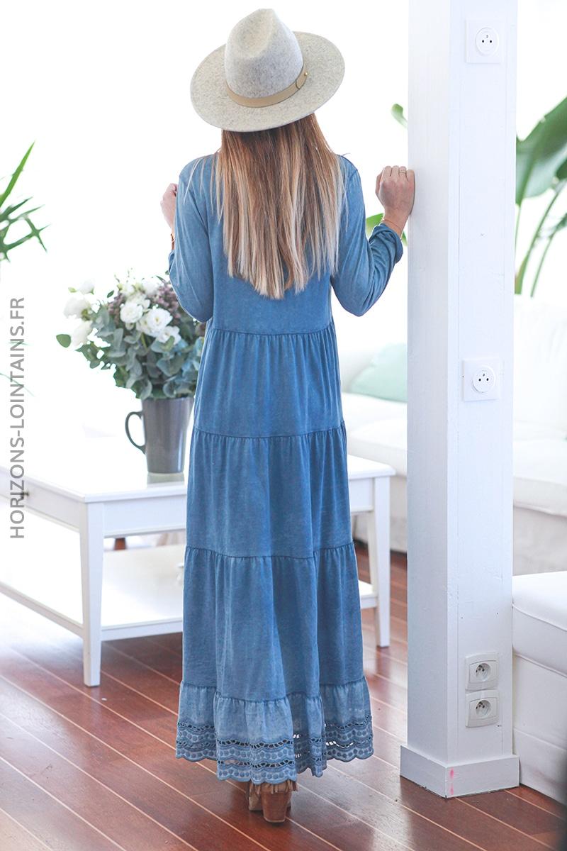 Robe longue bleu jean en coton finition broderie ajourée E015 (1)