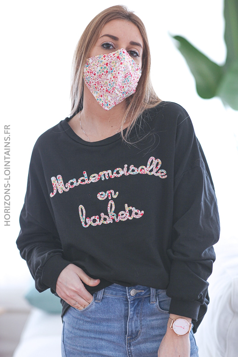 Sweat noir mademoiselle en baskets avec masque assorti E031 (1)